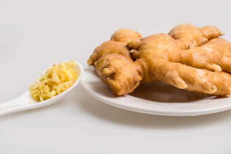 fullframes: fresh ginger