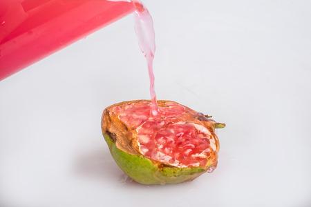 juicing: pomegranate drink