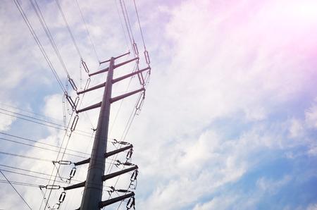 cables electricos: cables el�ctricos en el fondo del cielo