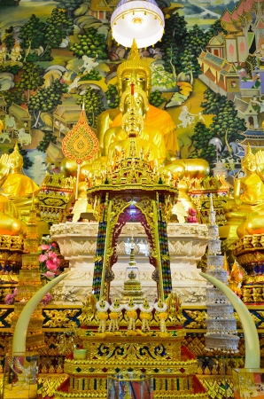 Storage place for the relics, The worship of the thai people