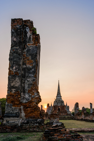 phra nakhon si ayutthaya: Ruins and pagoda ancient architecture of Wat Phra Si Sanphet old temple famous attractions during sunset at Phra Nakhon Si Ayutthaya Historical Park in Ayutthaya Province, Thailand