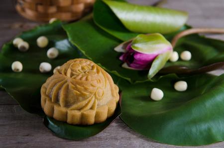 Mooncake ,Chinese mid autumn festival food. Foto de archivo - 110032463