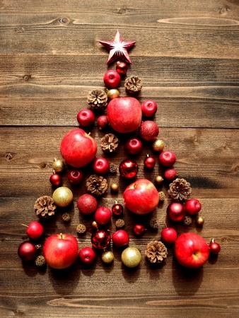 빨간 사과의 크리스마스 트리 스톡 콘텐츠