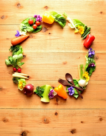 Wreath of vegetables for salad