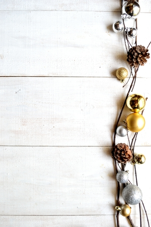 Gold and silver Christmas ornament balls 版權商用圖片