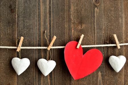 clothes pins: Red heat and white heart ornaments with clothes pins