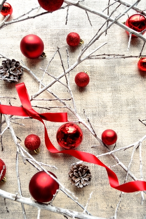 Red Christmas ornament balls, twigs and ribbon.frame 版權商用圖片