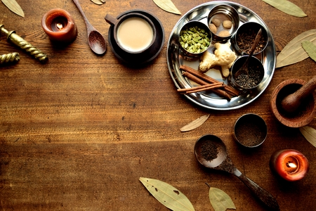 차이 티 차와 향신료 목조 배경 스톡 콘텐츠