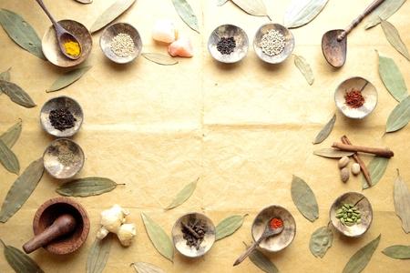 シナモンの葉と小さな料理のスパイス 写真素材 - 92334264