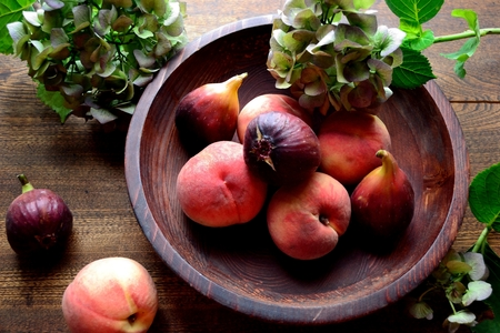 Peaches, figs and hydrangeas