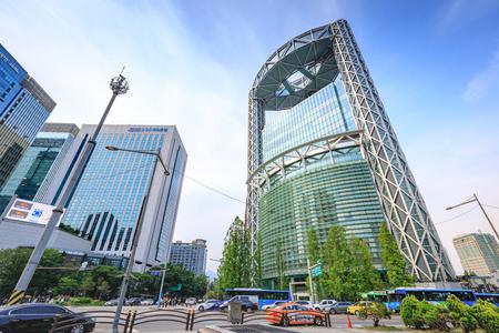 2017 年 6 月 19 日韓国ソウル地下鉄鐘閣駅近く Jonno のサムスン鍾路タワー