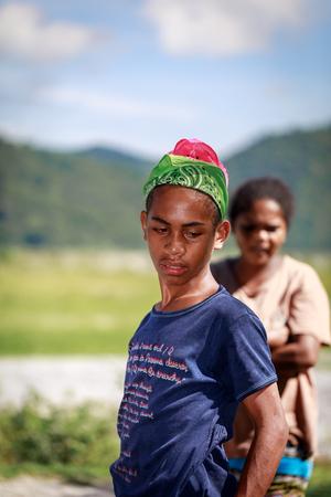 Retrato de la tribu Aeta niño cerca del Monte Pinatubo el 27 de agosto de 2017 en Santa Juliana, Capas, Luzón Central, Filipinas. la gente sufre de pobreza debido a la mala economía, cuestión política.