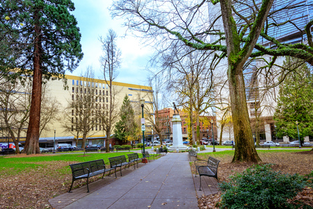 Portland, United States: Lownsdale Square, Historically intended for men only, this block-long green space with memorial sites is open to all.