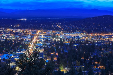 Panorama, as seen from Bend from Pilot Butte Neighborhood Park, Oregon, Uniteds states