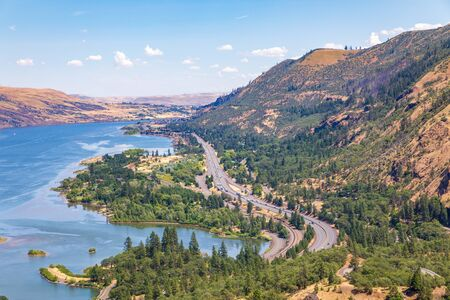 View from Rowena Crest Viewpoint, Old Columbia River Scenic Highway, Rowena Standard-Bild