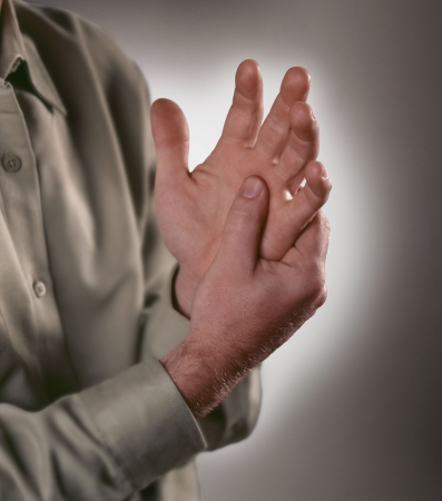 senior pain: Arthritis pain in the joints of the knuckles.