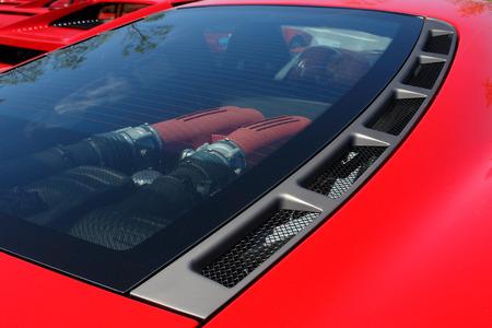 Sportwagen in rot Standard-Bild