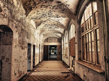 Tone Mapping in the hallway of an old sanatorium Beelitzer
