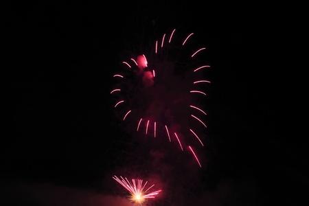 日本の花火大会で花火