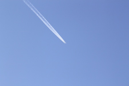 lag: contrail in blue sky