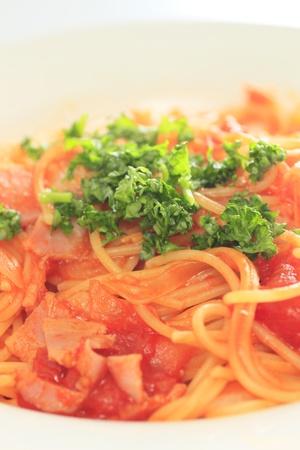 spaghetti pasta with tomato photo