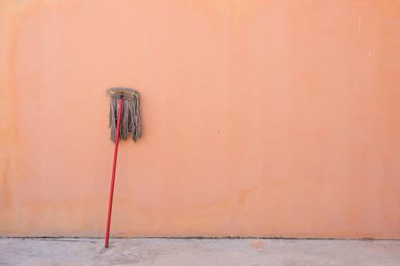 mop: Old mop