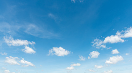 cielo despejado: Cielo azul