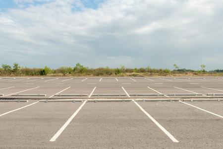 Leeren Parkplatz Standard-Bild