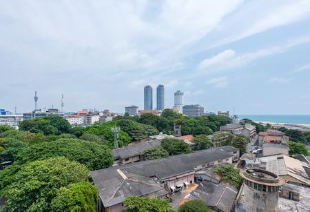 banco mundial: Colombo, Sri Lanka - 24 de marzo, 2016: World Trade Center y el Banco de Ceilán edificios son el edificio alto en Colombo, Colombo es primo espacio comercial y de oficinas de Sri Lanka.