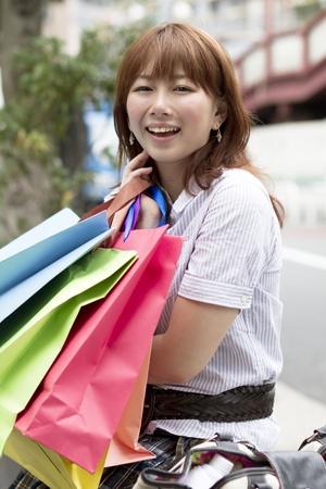 아시아 여자 쇼핑