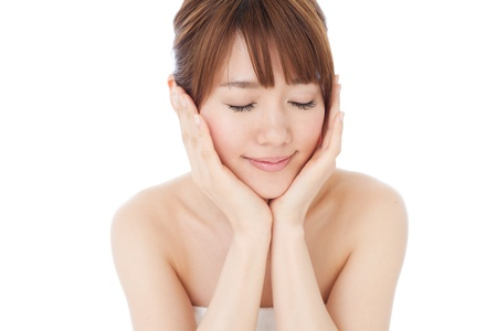 masajes faciales: Retrato de joven y bella mujer asiática