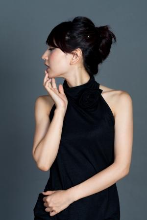 美しいエレガントな女性アジアの肖像画