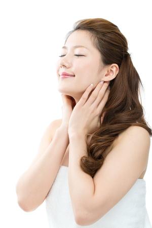 Schöne junge Frau auf weißem Hintergrund Standard-Bild - 17049325