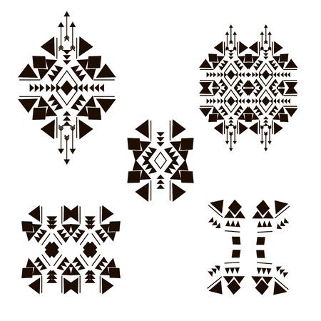 tribales: Elementos de diseño tribales aislados en el fondo blanco hecho en vector. Elementos étnicos vendimia tribales para su negocio. Ornamento oriental, mexicana, colección azteca y de África del arte tribal.