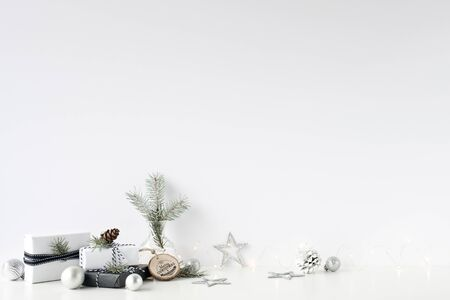 Christmas wall mock-up. Scandinavian style. Wall art. Foto de archivo - 133316164