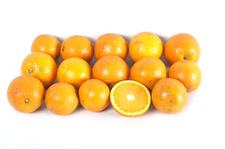 Sinaasappelen op witte achtergrond Stockfoto