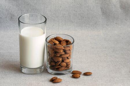 Close up healthy almond milk in drinking glass Zdjęcie Seryjne