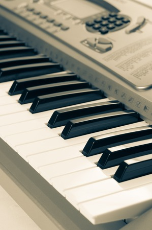 fortepian: bliska klawiszy fortepianu