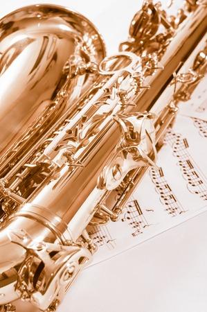 soprano saxophone: Parte del saxofón sobre las notas.