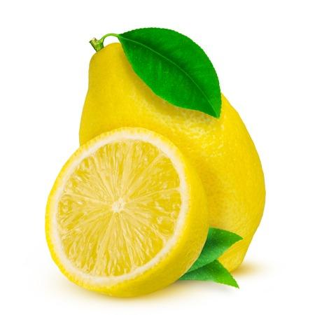 Limón. Fruta con mitad y hojas aisladas en blanco