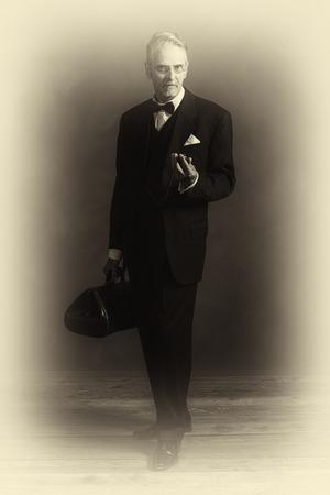 懐中時計を見てヴィンテージ 1920 年代医師のアンティーク プレート写真。