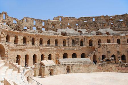 Ruïne van het Romeinse amfitheater in El-Jem, Tunesië