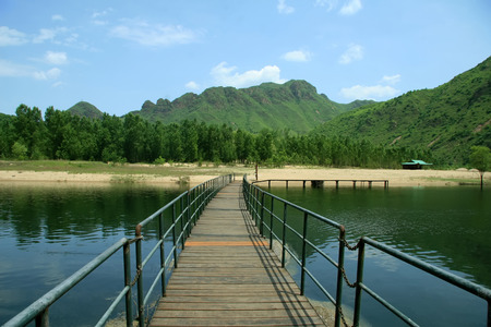 ridge of wave: Landscape and pontoon