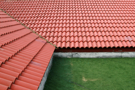 watts: Red roof