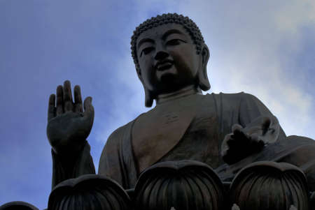 lantau: Buddha gigante nella parte superiore in Lantau Island, Hong Kong