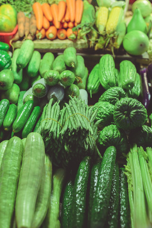 coliflor: fresh vegetables in market