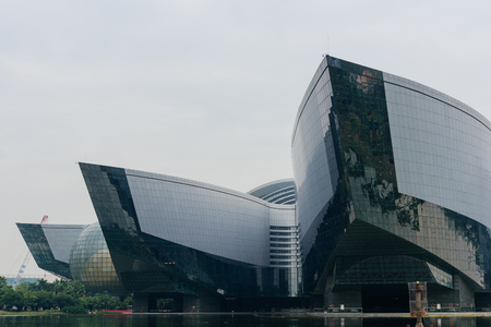 The Guangdong Science Center is located in the city of Guangzhou University. The peculiar modeling is full of the sense of science and technology and the sense of Modernity 報道画像