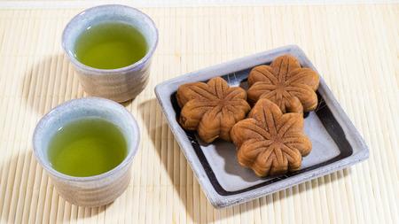 sencha tea: Japan tea and Momiji-manju