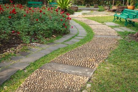 reflexologie plantaire: chemin réflexologie galets