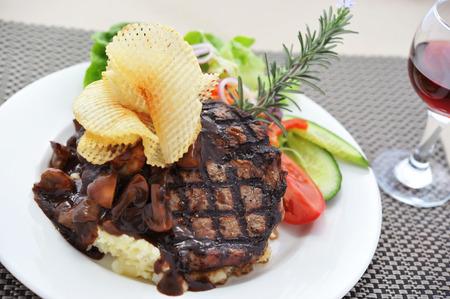 aussie: Australia pubs menu, Aussie Beef